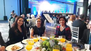 Luz Adriana de Auroquim, Clara Suárez Directora de laboratorio CIAJ, Guadalupe Rámirez de A&V Bussines